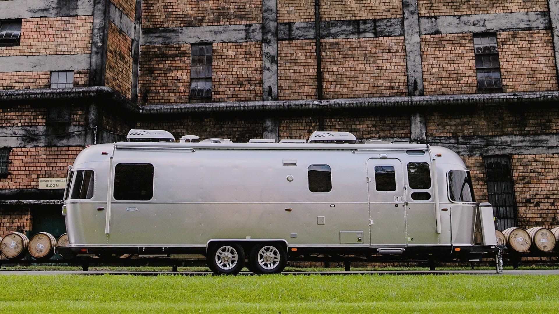 2019 Airstream Classic Exterior