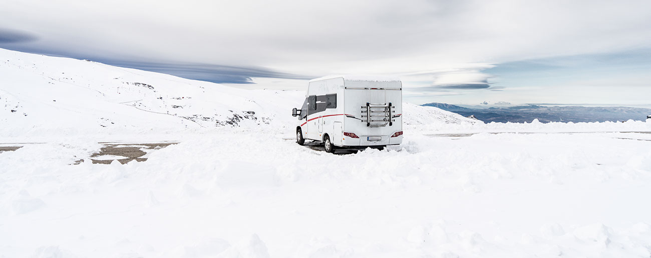 motorhome-in-snow
