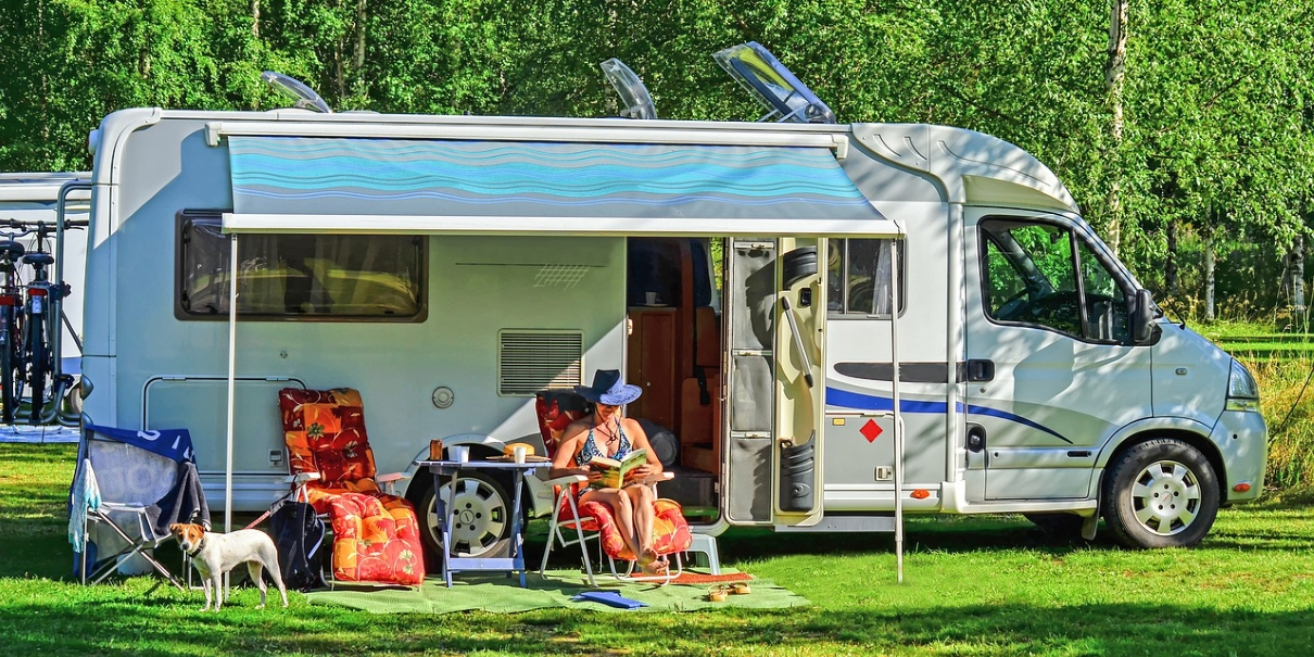 parked-motorhome