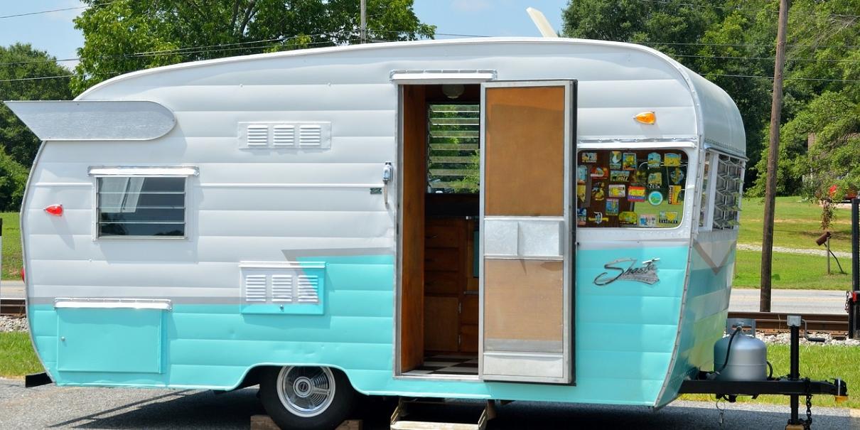 trailer-1210x605